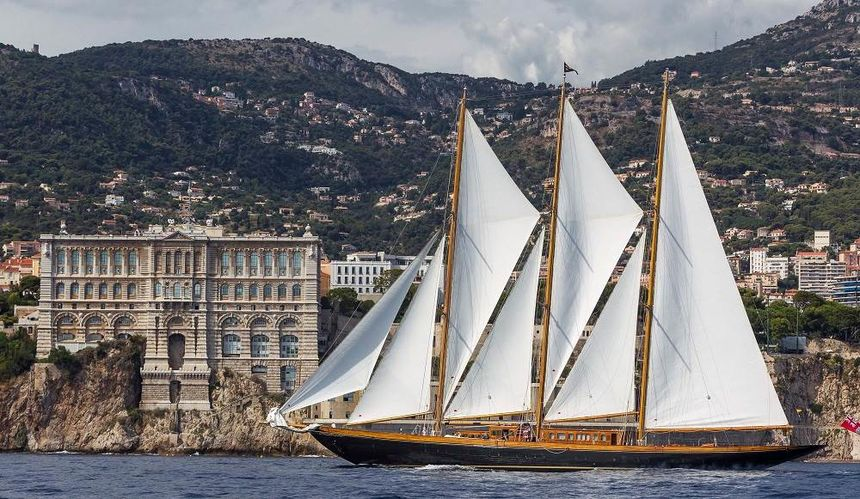 яхта Creole
