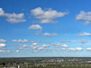 Кучевые плоские облака