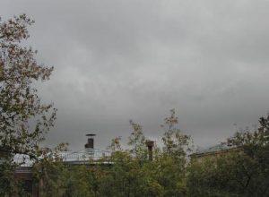 Разорванно дождевые облака