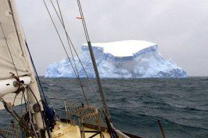 яхтинг и айсберг